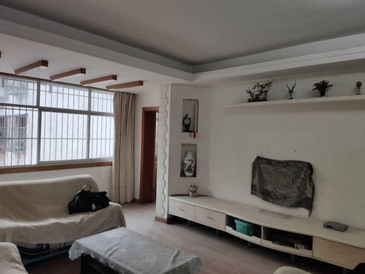 钱沟上坡 沔州小学附近  精装修 三室2厅2卫  一家四口住
