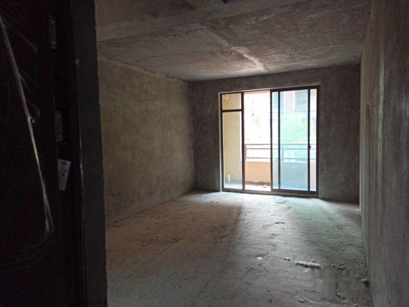 绿地香格里拉步梯小洋房一楼复试带大花园上下两层可分开入户