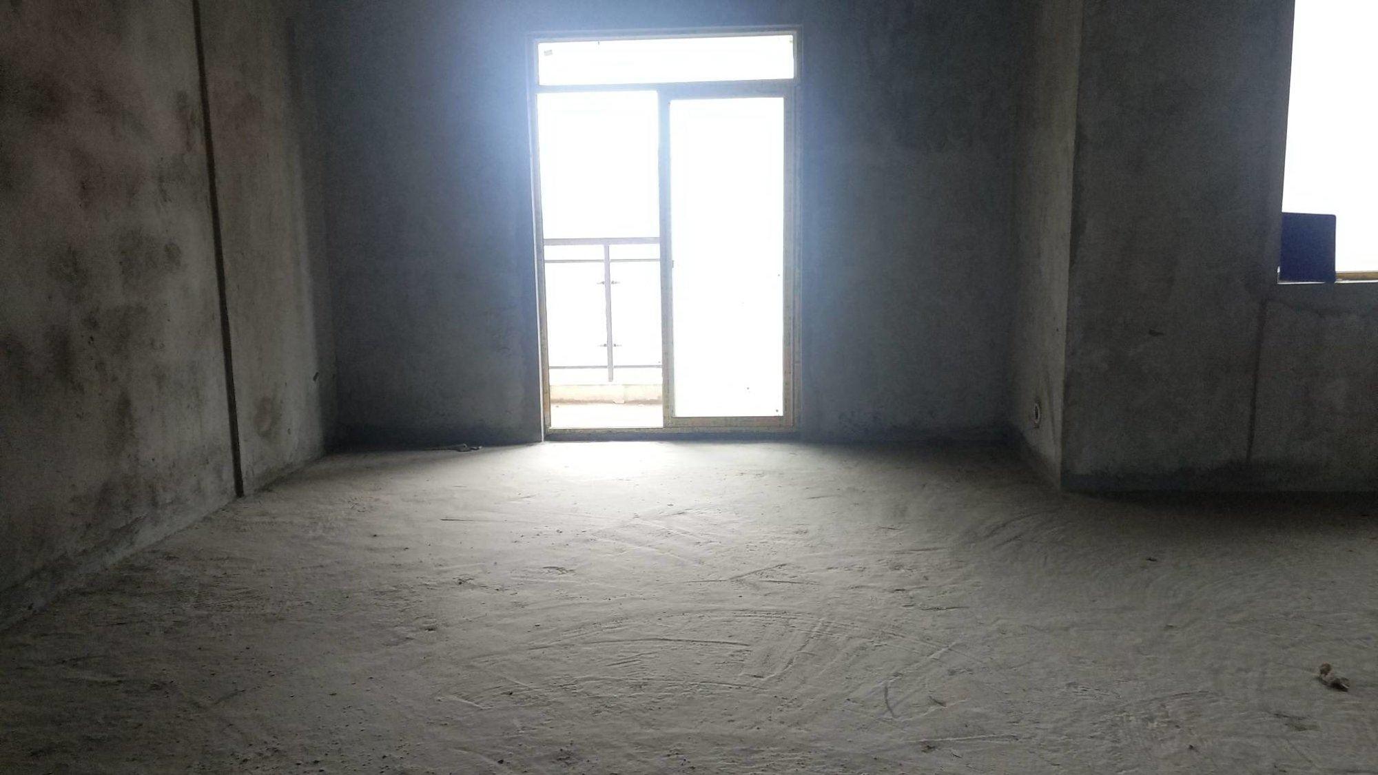 城南 核心地段 紫禁城 毛坯大三房 南北通透 中间好楼层