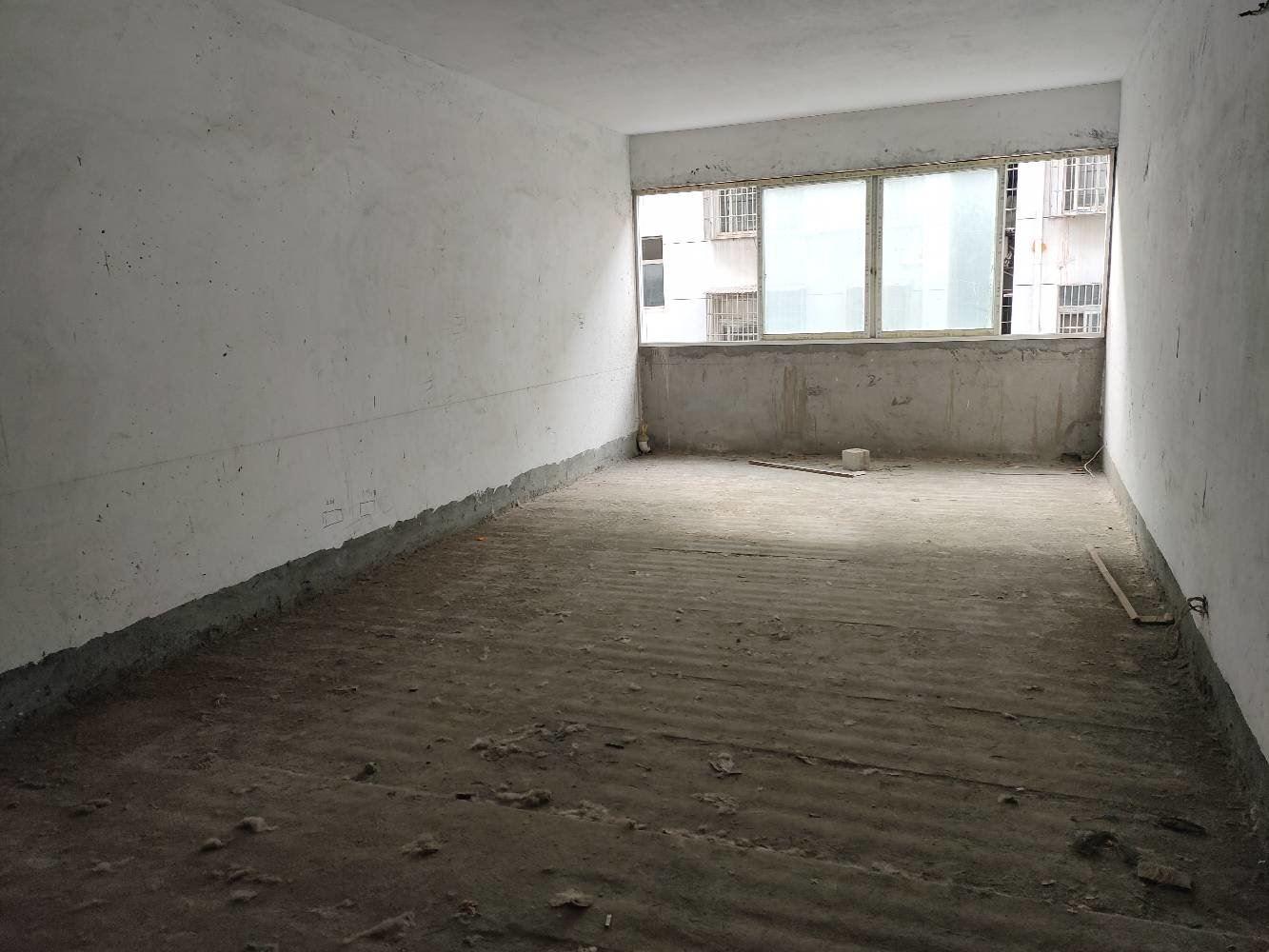 步行街旁 祥云家园 步梯好楼层 证满2 超大客厅 配套齐全