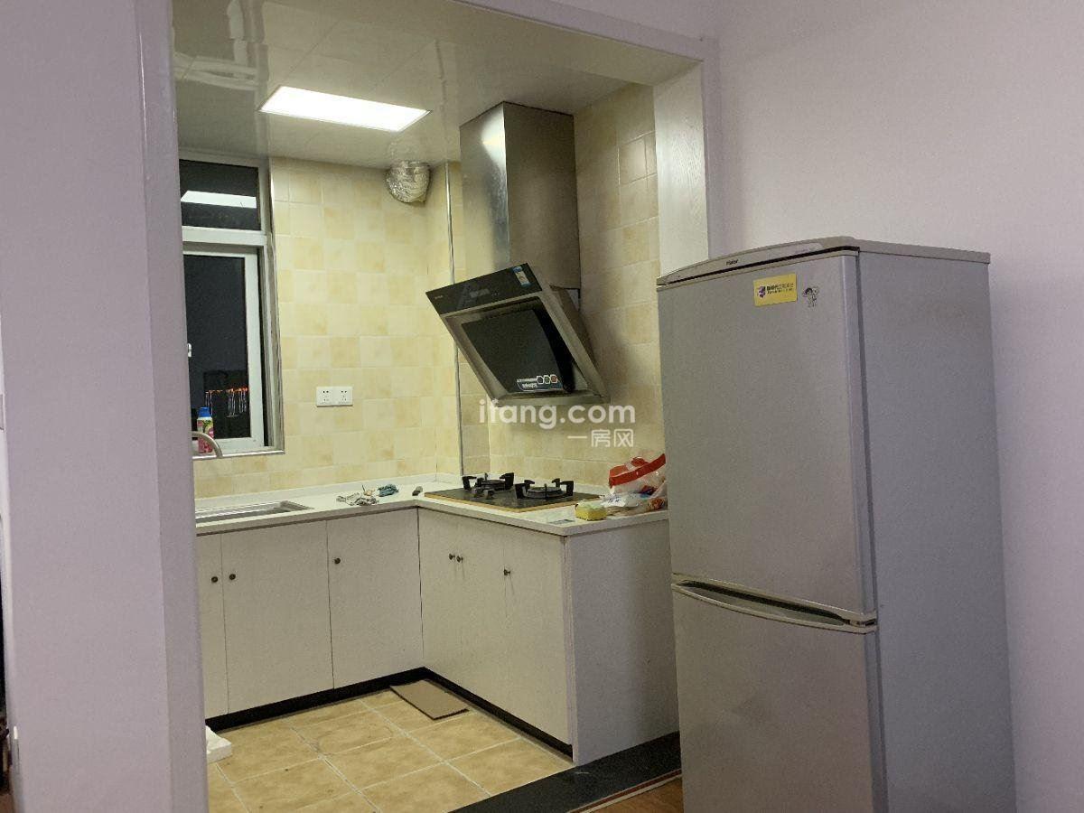 新天地国际广场 沃尔玛 单身公寓房 家电齐全 拎包入住