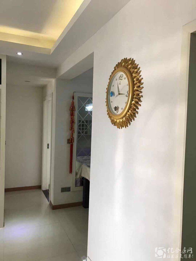 圣淘沙国际花园 精装两房 家电家具齐全 拎包入住 看法方便