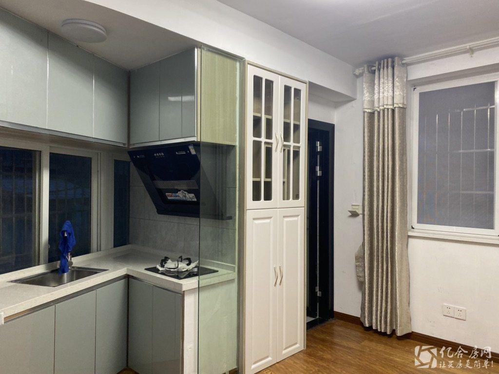 商城附近 心蜗居公寓精装两房 全新装修 家电齐全 拎包入住