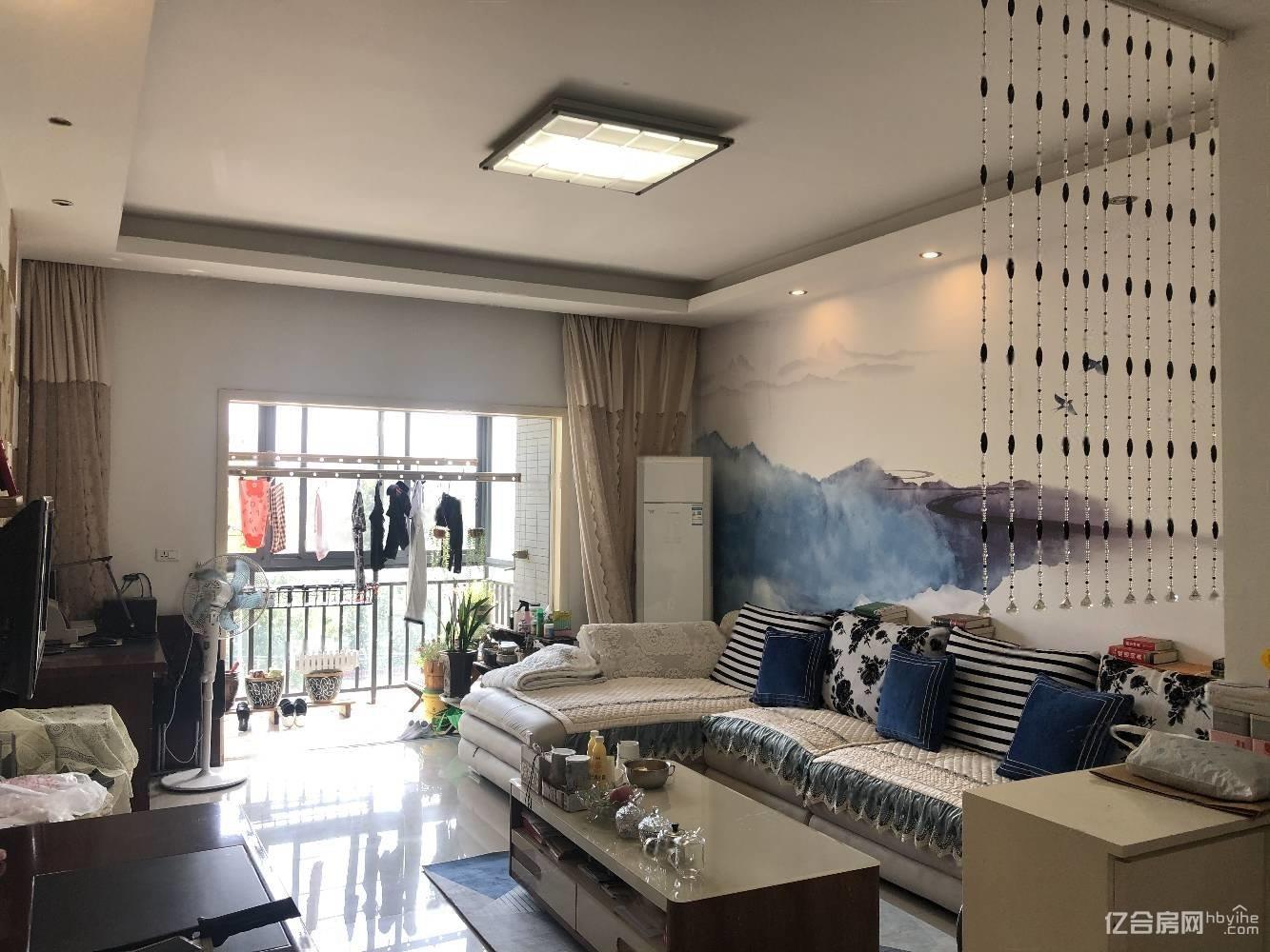 世纪雅园精装两房,85平米中间楼层,售价48.8万,证满两年