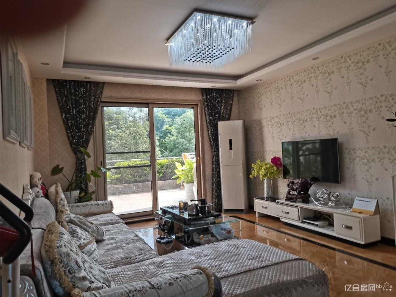 一品苑精装大三房带一个50平米大露台